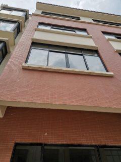 5室3厅5卫395m²毛坯房