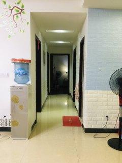 (八步区)金源稀土小区4室2厅2卫131m²简单装修