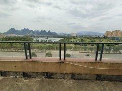一排湖景房,城东高档小区,送大露台,视野好,采光靓,看房方便