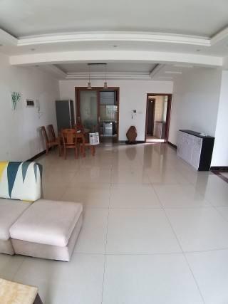 (八步区)广裕·帝景湾3室2厅2卫140m²