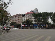 人民医院附近整栋7层,一类门面楼,335