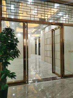 包税费!首付10万朝南7米长大阳台电梯中层三面光爱莲湖旁